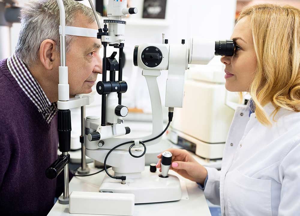 What Does An Optician Do How To Become An Optician And Get Certified - Job description of an optician