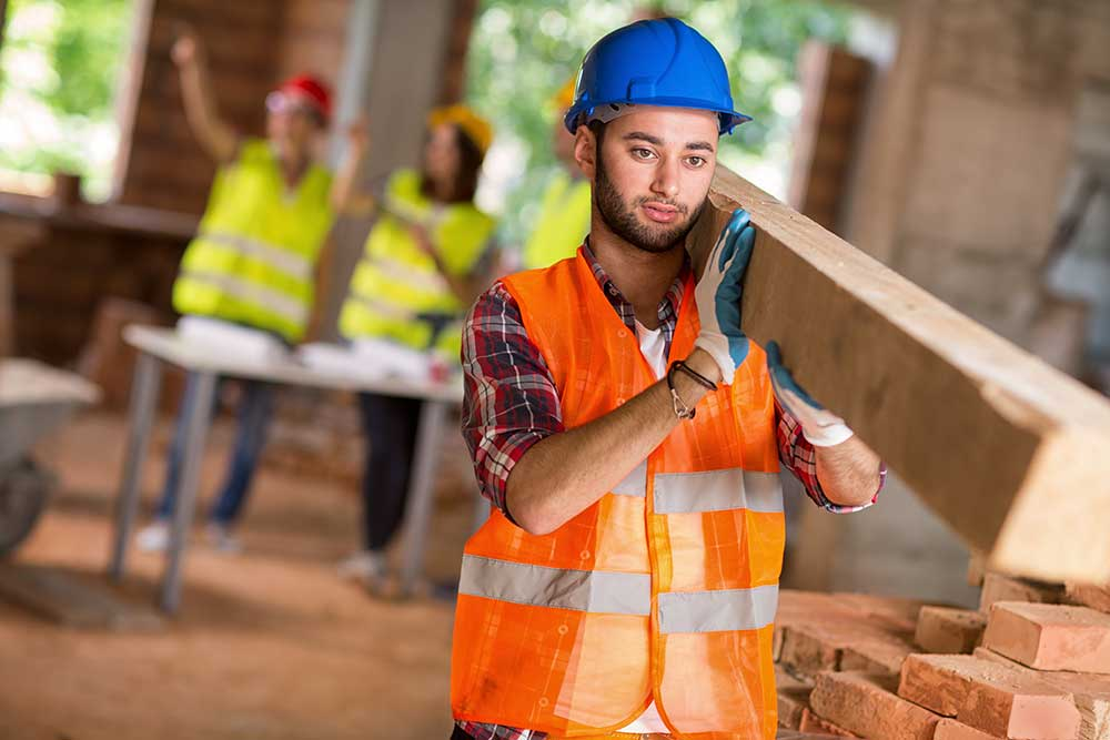 what does a construction laborer and helper do and how to become one
