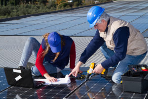 what does a solar installer do